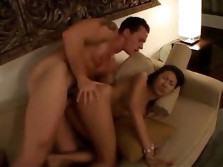 Sexy Thai whore has anal sex