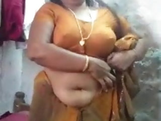 Cheating desi chubby aunty in saree strip for boyfriend