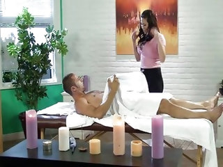Asian masseuse London Keyes