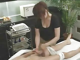 Japanese massage 02 - female masseuse with guy