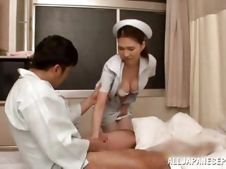 Well now, this is some high quality medical services, offered by our sexy brunette nurse. She wants to make sure, that the patient has everything he n