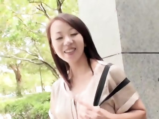 PacoPacoMama- Sayuri Yoshida - Beautiful Pregnant Woman Exposed Herself in a Video Shop